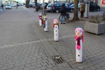 Winterliche Verzierung von Straßenpfosten in Bamberg © Doreen Matthei