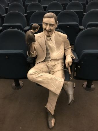 Die Ernst Lubitzsch-Statue hatte immer einen guten Platz © Michael Kaltenecker