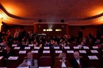 Der Leone-Saal füllt sich für die Festivaleröffnung