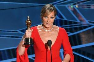 Allison Janney erhält den Oscar für die